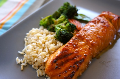 salmon-with-vegetables-and-brown-rice
